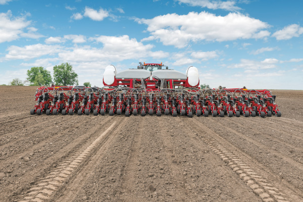 CaseIH-2140-PivotTransport-2019.jpg